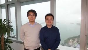 罗锦团教授(左)与学生袁凡奇解开「伊辛超导体」特性之谜。