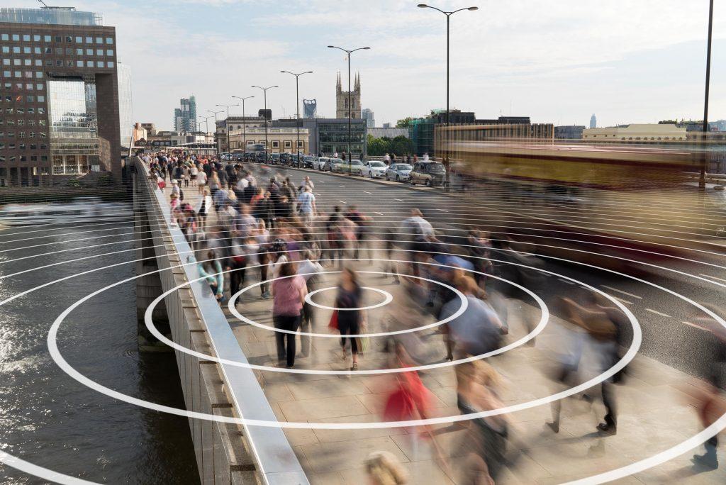 「人口学」观察与调查区域人口的变化趋势,来帮助我们理解一个区域的特征,例如是否适宜居住、适宜生活、或是适宜工作? 图片来源│iStock