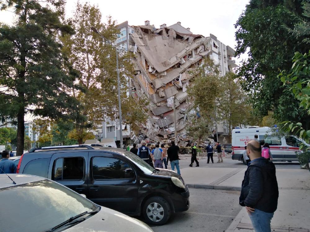 爱琴海发生 M7.0 地震,并伴随海啸,强烈冲击土耳其与希腊